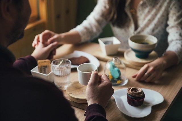 お茶や食事デート